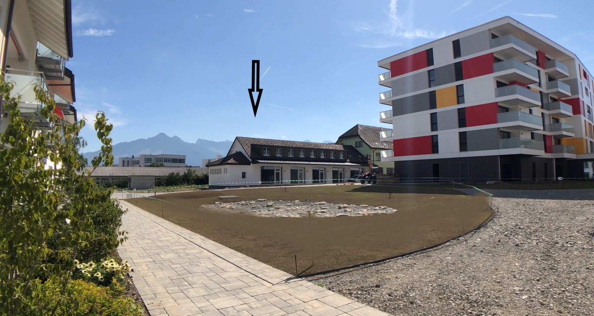 grande facade avec terrain maison